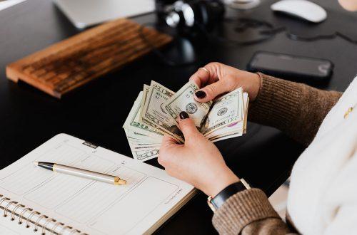 海外進出・海外展開:米国カリフォルニア州で100人以上の従業員を擁する企業に対し年次賃金データレポートの提出が義務化へ(州法 SB-973)