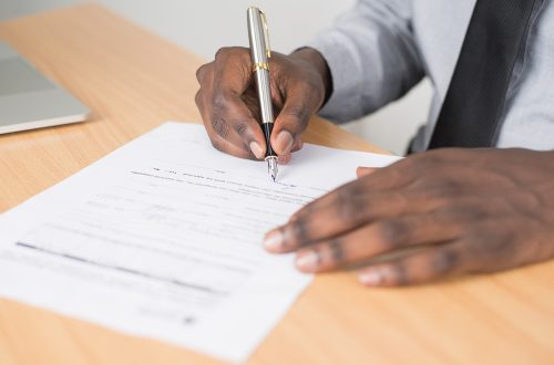 契約審査・契約書レビュー:契約書はなぜ必要か?契約書の事前チェックでトラブルを回避しよう