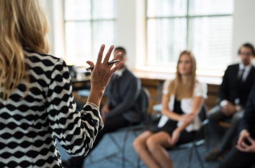 海外進出・海外展開:カリフォルニア州で女性取締役の登用を義務化する法律/対象企業は要対応