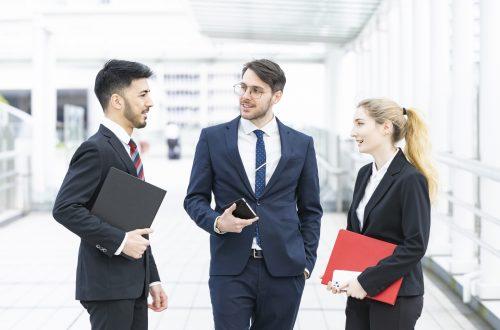 外国人雇用:外国人高度人材の募集・採用とビザについて