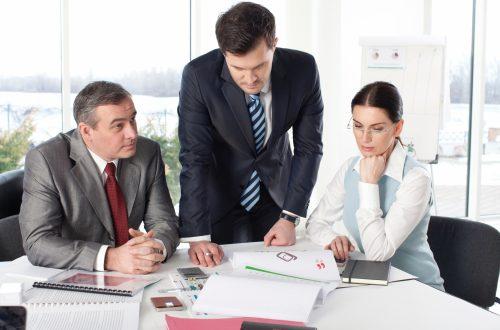 外国人雇用:外国人の退職・解雇の手続と注意点