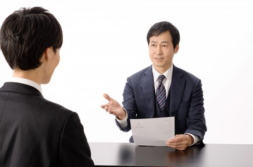 試用期間満了時の本採用拒否は解雇扱いに!?