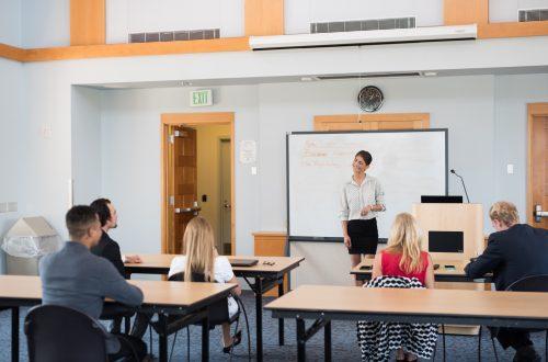 海外進出・海外展開:カリフォルニア州でセクハラ防止の社内研修の適用範囲が拡大|企業側に必要な心得とは?